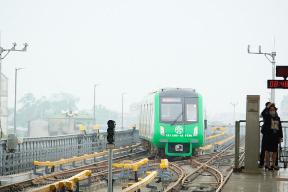 Thấp thỏm chờ đường sắt Cát Linh - Hà Đông vận hành dịp 1-5 - Ảnh 1.