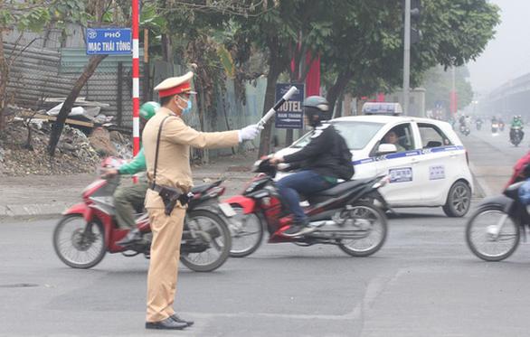 Lộ trình tránh kẹt xe dịp lễ ở TP.HCM và Hà Nội - Ảnh 1.
