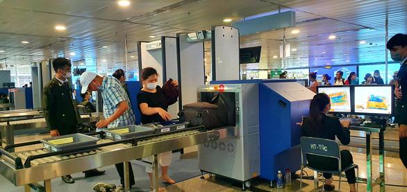 Giảm ùn tắc sân bay Tân Sơn Nhất dịp lễ được chuẩn bị ra sao? - Ảnh 2.