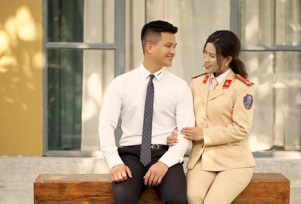 Nữ trung úy CSGT hoãn cưới để phòng, chống dịch COVID-19 - Ảnh 1.