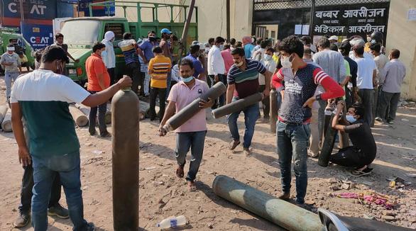 Ấn Độ tăng hơn 360.000 ca COVID-19 trong 24 giờ - Ảnh 1.