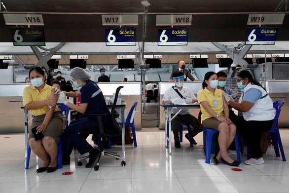 Thái Lan tiếp tục ghi nhận thêm 15 ca tử vong trong 1 ngày - Ảnh 1.