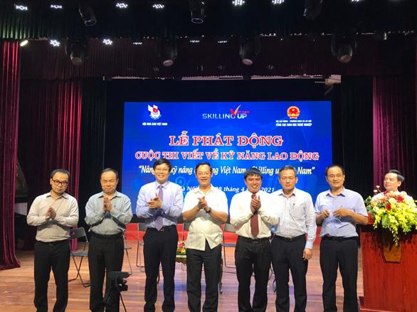 Phát động cuộc thi viết về kỹ năng lao động, giải thưởng 20 triệu đồng - Ảnh 1.