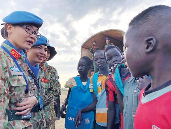 Y bác sĩ Việt gieo hòa bình ở Nam Sudan - Ảnh 1.