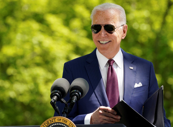 Sau chiến thắng đầy tranh cãi, 100 ngày đầu tiên của Tổng thống Biden vượt xa mong đợi - Ảnh 1.