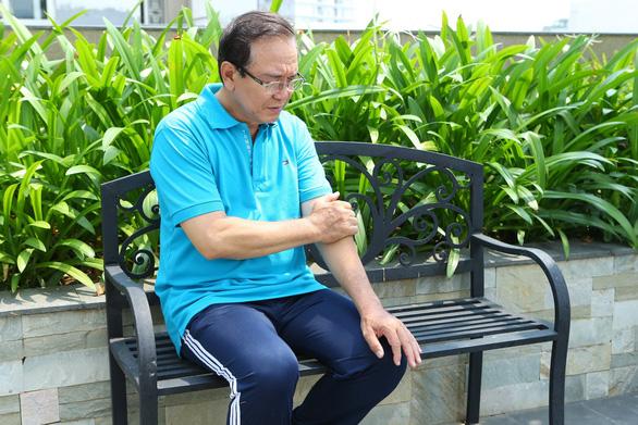 Gấp đôi nguy cơ đột quỵ sau 50 tuổi do mỡ máu tăng cao - Ảnh 1.