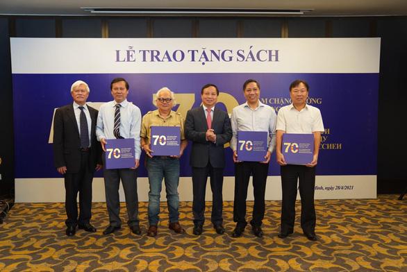 Lễ trao tặng sách - hoạt động thể hiện tình hữu nghị giữa hai nước Việt Nam - Nga - Ảnh 2.