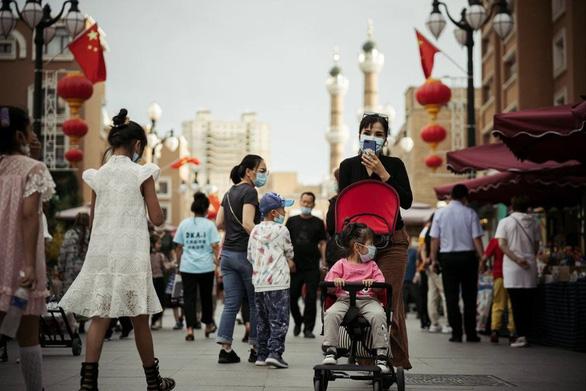 Trung Quốc đưa phóng viên quốc tế tới Tân Cương chứng kiến sự thật - Ảnh 1.