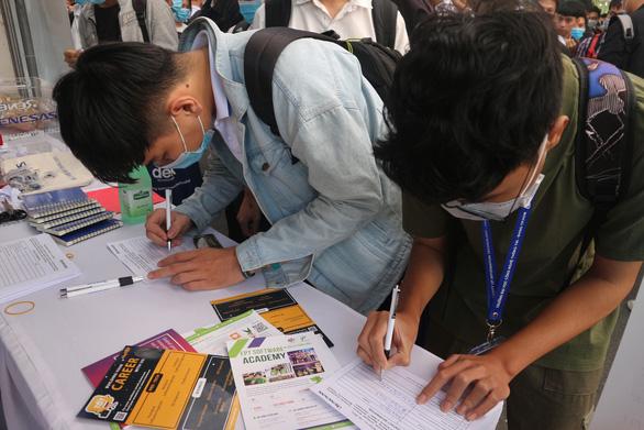 Sinh viên tránh mất tiền oan vì chiêu lừa tuyển gia sư trên mạng - Ảnh 1.