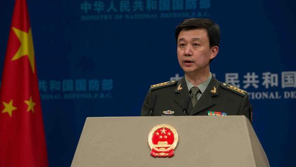 Bắc Kinh khiếu nại sau khi tàu Mỹ cản trở tàu Trung Quốc tập trận - Ảnh 1.