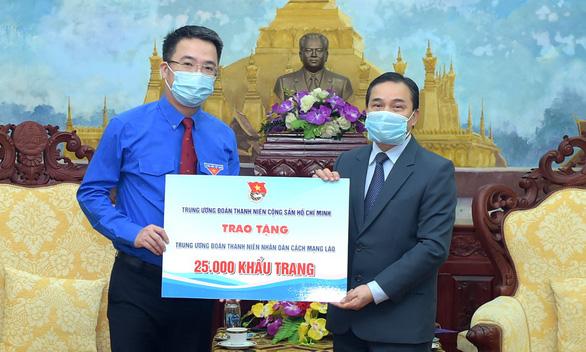 Trung ương Đoàn tặng 50.000 khẩu trang hỗ trợ thanh niên Campuchia, Lào - Ảnh 2.