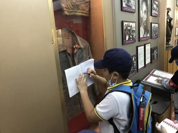 Hành trình đến bảo tàng cho em thêm yêu lịch sử - Ảnh 2.