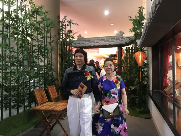 Phi Điểu, Thanh Vy, Minh Vương, Thoại Miêu… chúc mừng ra mắt phòng truyền thống cải lương - Ảnh 2.