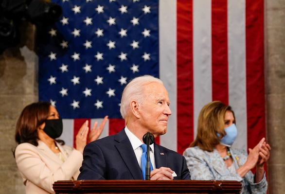 Tổng thống Joe Biden: Nước Mỹ đang trỗi dậy một lần nữa - Ảnh 1.