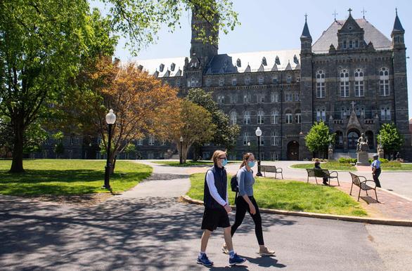 Mỹ nới lỏng hạn chế đi lại với sinh viên quốc tế - Ảnh 1.
