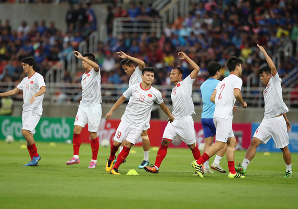 Đội tuyển Việt Nam thi đấu vòng loại World Cup 2022 vào giữa đêm - Ảnh 1.