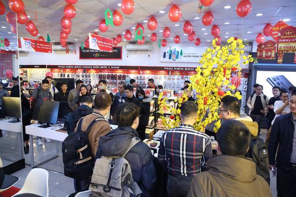 FPT Shop giảm đến 10% cho tất cả laptop chính hãng mừng ngày lễ lớn - Ảnh 1.