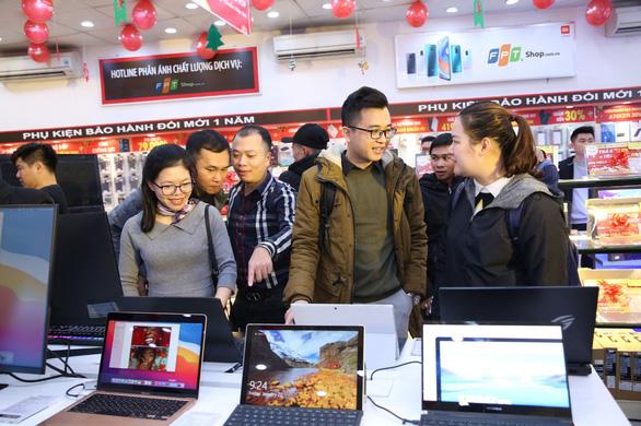 FPT Shop giảm đến 10% cho tất cả laptop chính hãng mừng ngày lễ lớn - Ảnh 2.