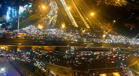 Bí thư Hà Nội: Phải làm đường vành đai 4 rộng 120m ở thủ đô - Ảnh 2.