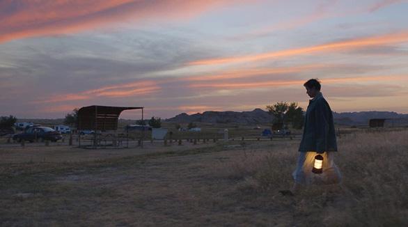 Nomadland: Chúng ta là kẻ du mục giữa hoang mạc cuộc đời - Ảnh 3.