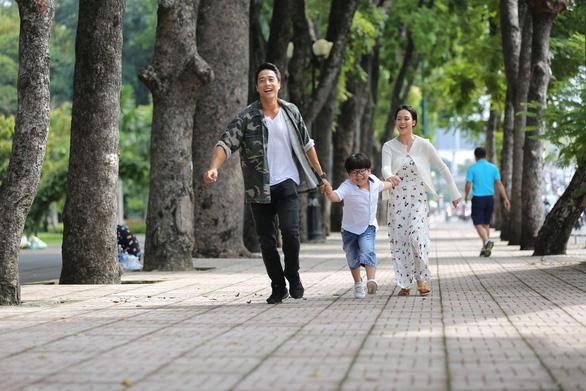 Mẹ đơn thân và cái giá phải trả khi đặt tình yêu quá lớn vào con - Ảnh 1.