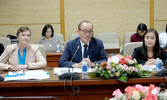 Việt Nam ráo riết tìm mua vắc xin COVID-19 - Ảnh 7.
