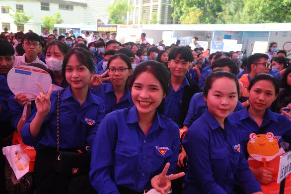 Tư vấn tuyển sinh ở Quảng Nam: Học sinh quan tâm đăng ký xét tuyển online - Ảnh 1.