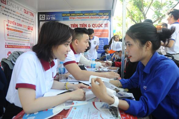 Tư vấn tuyển sinh ở Quảng Nam: Học sinh quan tâm đăng ký xét tuyển online - Ảnh 6.