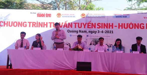 Tư vấn tuyển sinh ở Quảng Nam: Học sinh quan tâm đăng ký xét tuyển online - Ảnh 3.