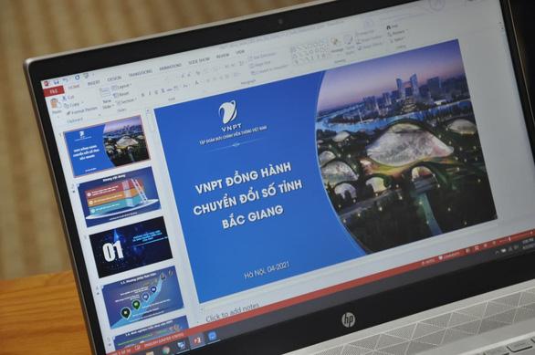 Bắc Giang đẩy mạnh chuyển đổi số, xây dựng chính quyền điện tử - Ảnh 1.