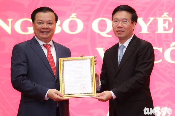 Tân Bí thư Thành ủy Hà Nội Đinh Tiến Dũng hứa gương mẫu và nỗ lực hết mình - Ảnh 1.