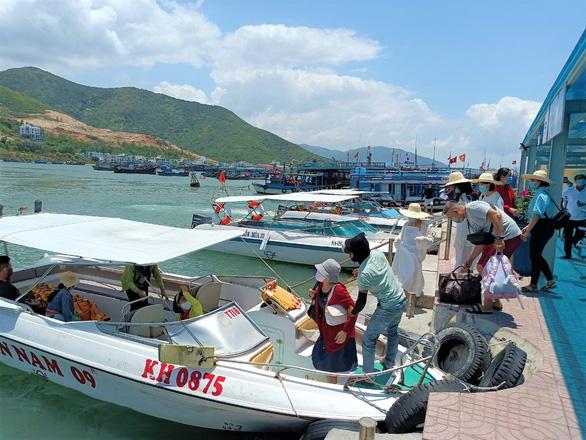 Khánh Hòa chọn khu Bãi Dài thí điểm đón khách du lịch quốc tế có hộ chiếu vắc xin - Ảnh 1.
