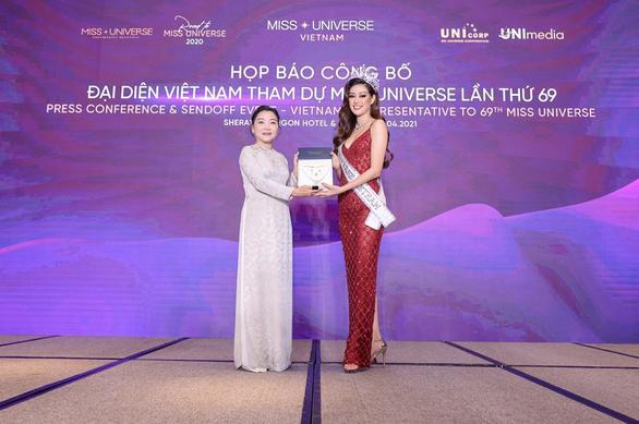 IJC - Nhà tài trợ vương miện và trang sức cho 2 cuộc thi nhan sắc đình đám - Ảnh 1.