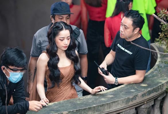 Chi Pu phủ nhận tin đồn mâu thuẫn với đạo diễn Victor Vũ - Ảnh 1.
