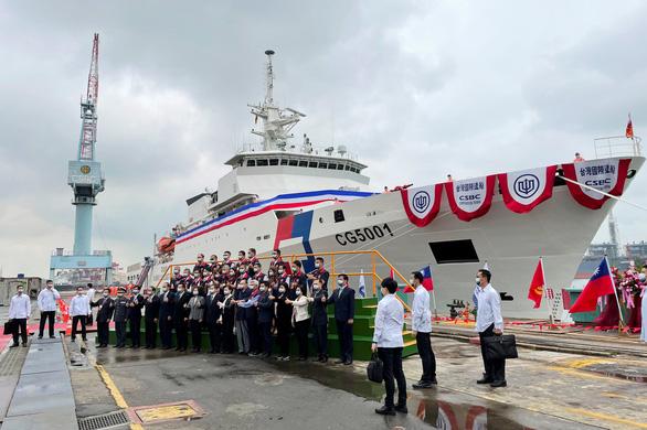 Đài Loan ra mắt tàu tuần tra lớn nhất chống chiến thuật vùng xám của Bắc Kinh - Ảnh 1.