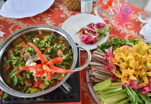 Lẩu mắm và mật ong rừng U Minh vào top 100 món ăn đặc sản Việt Nam - Ảnh 2.