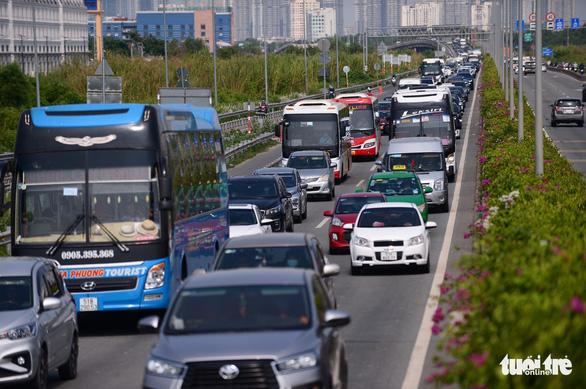 Đơn vị quản lý cao tốc TP.HCM - Long Thành bị lập biên bản phạt do không xả trạm gây kẹt xe - Ảnh 1.