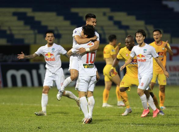 V-League 2021: Hoàng Anh Gia Lai sắp chinh phục cột mốc mới - Ảnh 1.