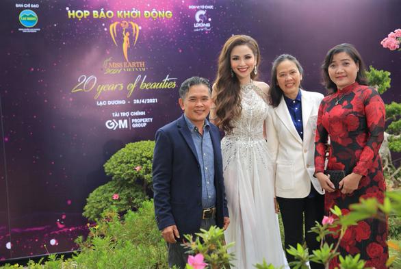 IJC - Nhà tài trợ vương miện và trang sức cho 2 cuộc thi nhan sắc đình đám - Ảnh 3.