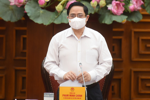 Thủ tướng họp khẩn về phòng chống COVID-19 - Ảnh 1.