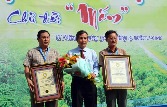 Lẩu mắm và mật ong rừng U Minh vào top 100 món ăn đặc sản Việt Nam - Ảnh 1.
