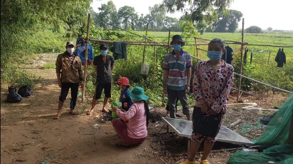 8 người Việt xuất cảnh chui sang Campuchia xin biên phòng... cho về nước - Ảnh 1.