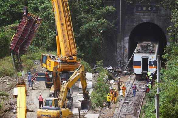 Đài Loan không cho lãnh đạo giao thông từ chức sau tai nạn đường sắt - Ảnh 1.