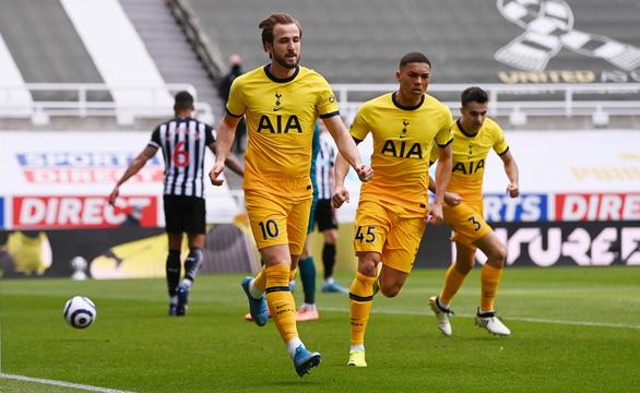 Đánh rơi chiến thắng trước Newcastle, Tottenham lỡ cơ hội vào tốp 4 - Ảnh 2.