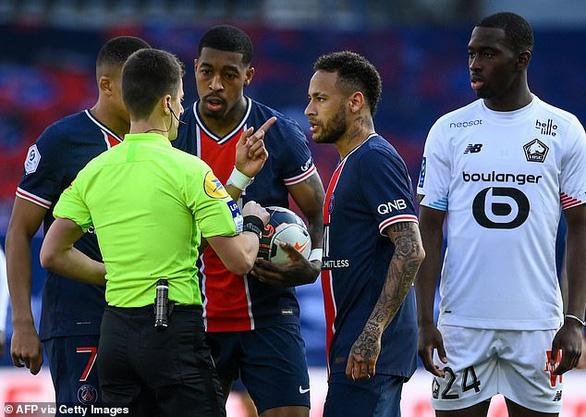 Neymar lại gây chuyện và bị thẻ đỏ, PSG thua đại kình địch Lille - Ảnh 3.