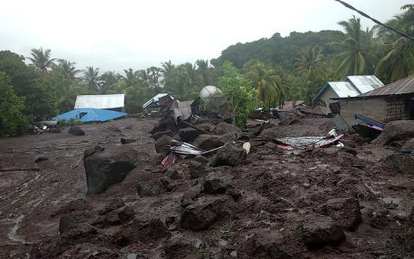 Lũ quét ở Indonesia, ít nhất 44 người thiệt mạng ngày Phục sinh - Ảnh 1.