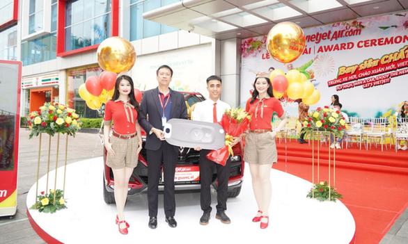 Vietjet tặng xe hơi cho khách hàng may mắn nhất mùa lễ hội cuối năm - Ảnh 2.