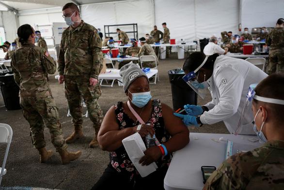 Bang Florida của Mỹ cấm hộ chiếu vắc xin vì lo ngại bất bình đẳng - Ảnh 1.