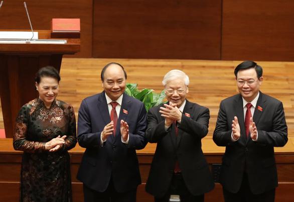 Tân Chủ tịch nước Nguyễn Xuân Phúc: Khó khăn không thể làm chùn bước chân của chúng ta - Ảnh 5.
