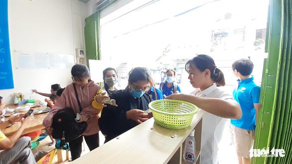 Khai trương quán cơm 'Yên vui Long Xuyên' giúp người nghèo có cơm ăn - Ảnh 1.
